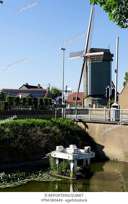 Lo-Reninge - 03 october 2016 Brug en Markeymolen in Lo-Reninge Le pont au-dessus du canal a Lobrug at le Markeymolen Credit: JMQuinet/Reporters Reporters /...