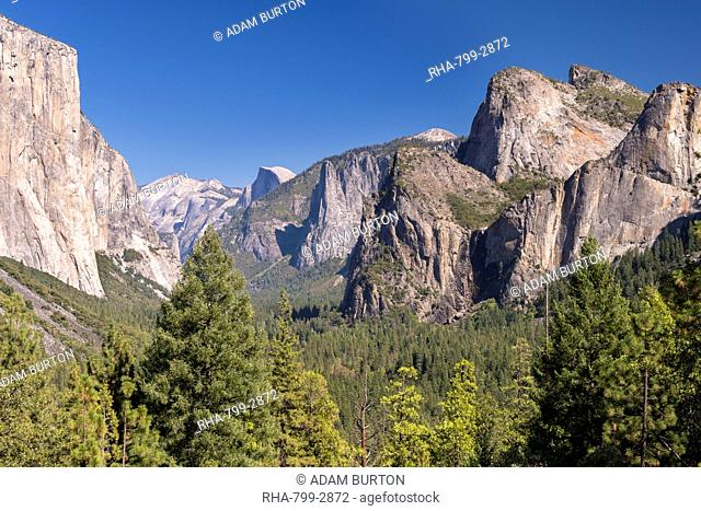 El Capitan rising above Yosemite Valley from Tunnel View, Yosemite National Park, UNESCO World Heritage Site, California, United States of America