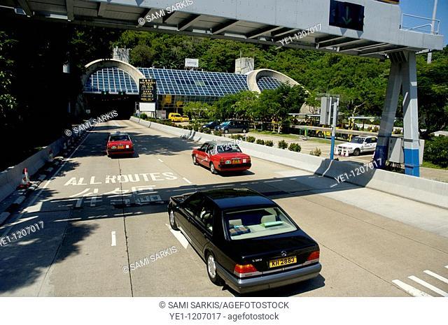 Traffic on a toll highway between Aberdeen and Admiralty, Hong Kong Island, Hong Kong, China