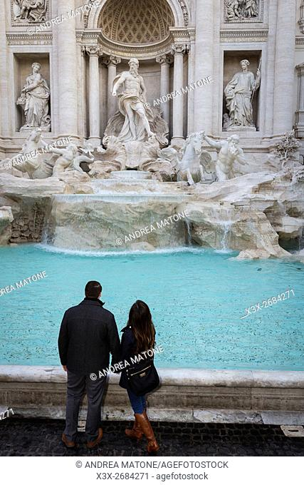 Couple at the Trevi fountain. Rome, Italy