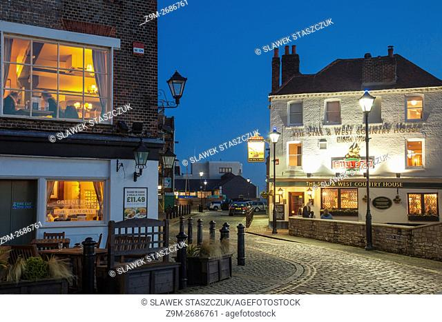 Night falls at Spice Island, old Portsmouth, Hampshire, England