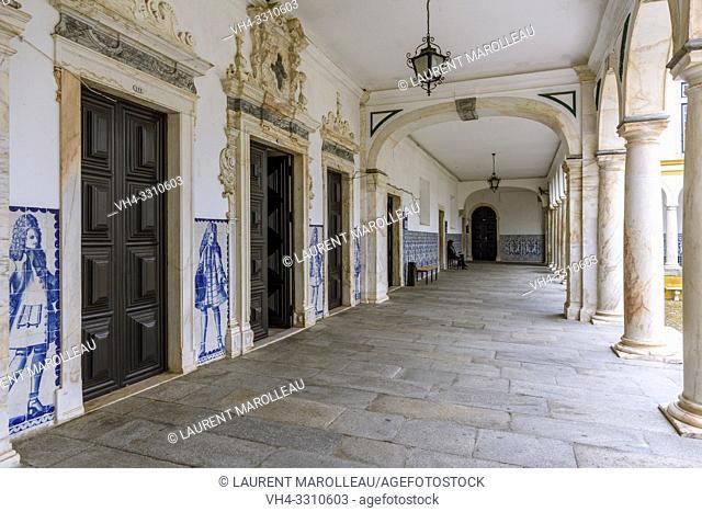 Cloister of the Former Colegio do Espirito Santo, Courtyard of Evora University, Alentejo Region, Portugal, Europe