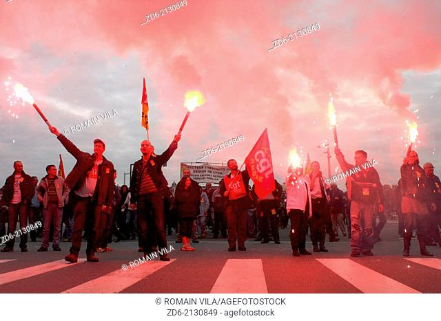 Procession of railworkers at the trade union Confederation Generale du Travail during a demonstration against the pension reform, Lyon, Rhone, Rhone Alpes