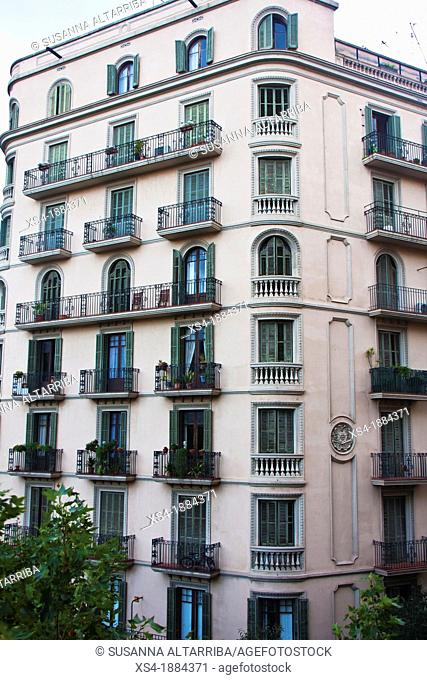 Facade of building in the Eixample of Barcelona, Avda Diagonal, 366, constructed in 1936 It has the 5th floor with arched windows