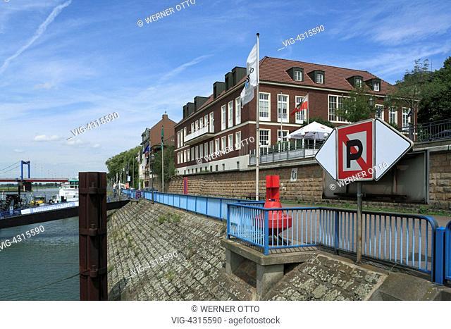 DEUTSCHLAND, DUISBURG, RUHRORT, 29.07.2009, D-Duisburg, Rhine, Lower Rhine, Ruhr area, North Rhine-Westphalia, D-Duisburg-Ruhrort, gangway Schifferboerse