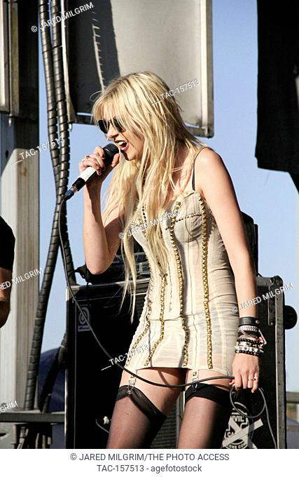 Taylor Momsen of The Pretty Reckless perform at the 2010 Vans Warped Tour at The Fairplex in Pomona, Ca