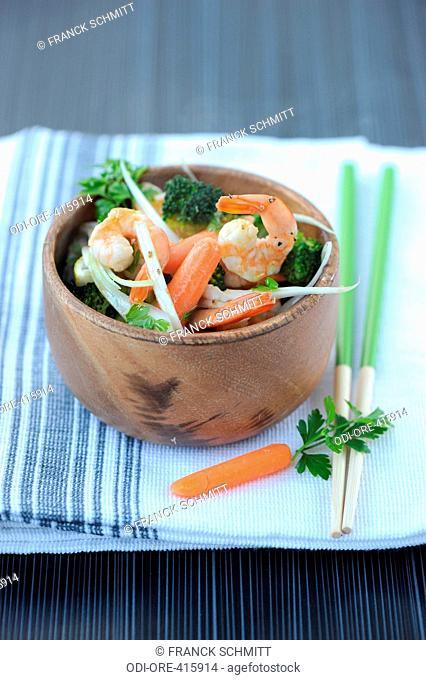 Shrimp, brocoli, carrot and garlic wok