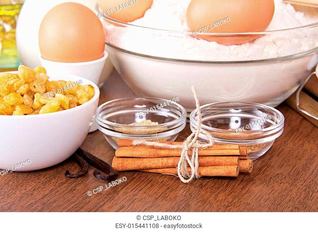 Flour and eggs, raisin, sesame, vanilla, cinnamon
