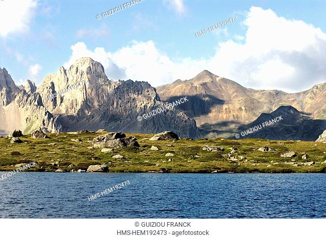 France, Hautes Alpes, Brianconnais area, the upper valley of La Claree, Lac Laramon 2359m and the Ecrins Massif