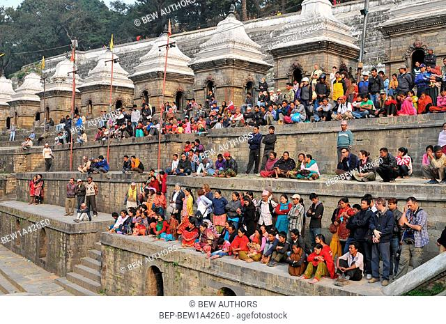 Nepal, Kathmandu, Pashupatinath temple, cremation ceremony