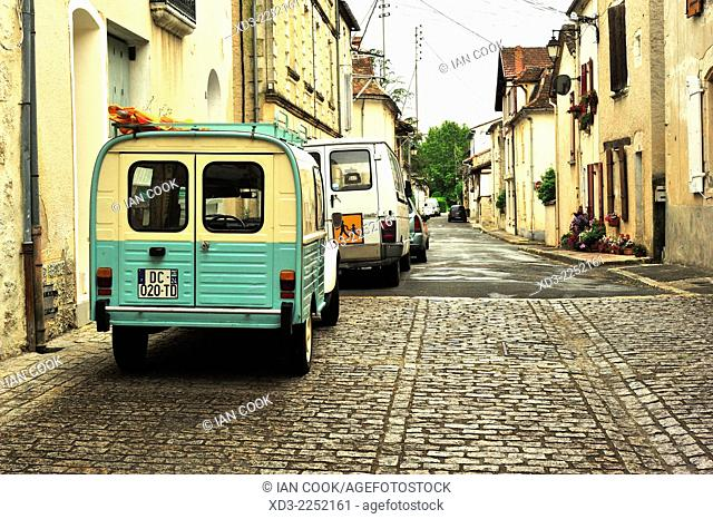 quiet street in Eymet, Dordogne Department, France