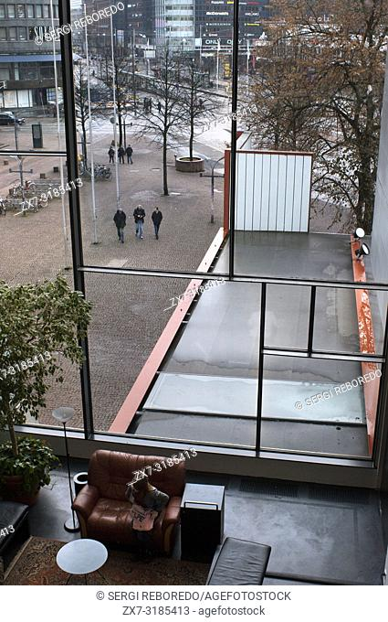 Sokos Hotel from the Kiasma Museum of Contemporary Art, Helsinki, Finland. Kiasma (built 1993-1998) is a contemporary art museum located on Mannerheimintie...