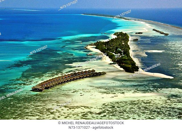 Indian Ocean, Maldives, South Ari Atoll, Dhidhoofinolhu, Diva Resort, Naiad, aerial vie
