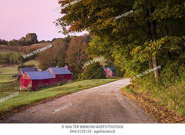USA, New England, Vermont, Reading, Jenne Farm, autumn, dawn