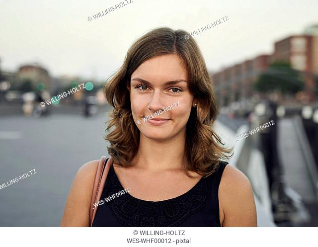 Germany, Hamburg, Portrait of a young woman