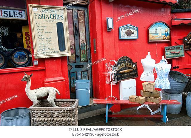 antiques street market in Portobello Road, London, England, UK