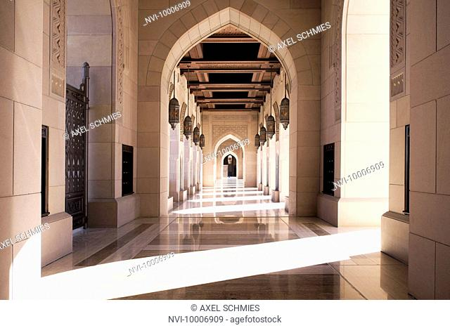 Colonnade, Sultan Qaboos Mosque, Muscat, Sultanate of Oman, Middle East