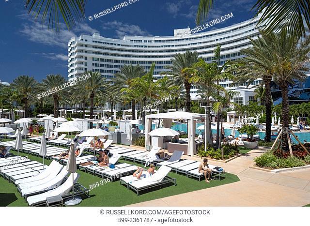 Poolside Loungers Fountainebleau Hilton Hotel Miami Beach Florida Usa