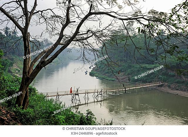 bamboo footbridge accross the Nam Khan River, Luang Prabang, Laos, Southeast Asia