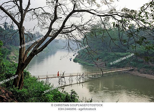 bamboo footbridge accross the Nam Khan River, Luang Prabang, Laos, Southeast Asia