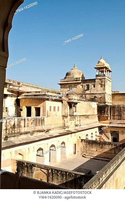 Main quadrangle, Palace of Man Singh I, Amber Fort Palace, Jaipur, Rajasthan, India