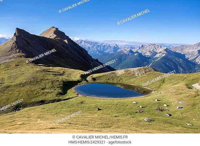 France, Hautes Alpes, Parc Naturel Regional du Queyras (Natural regional park of Queyras), bivouac on the lake of Souliers (2492 m)