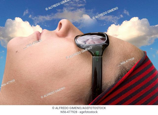 Woman's head with sunglasses