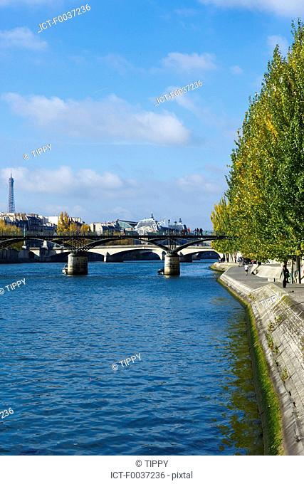 France, Paris, pont des arts and Eiffel tower in the background