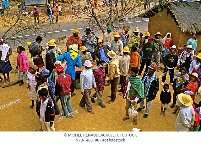 Africa, Madagascar, on the Highlands Highway, festivity about the ceremony of exhumation