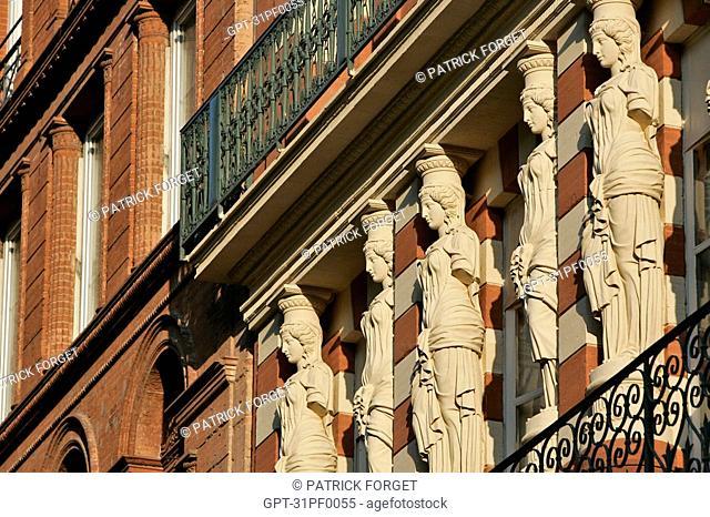 BUILDING FACADE, RUE DES MARCHANDS, TOULOUSE, HAUTE-GARONNE 31, FRANCE