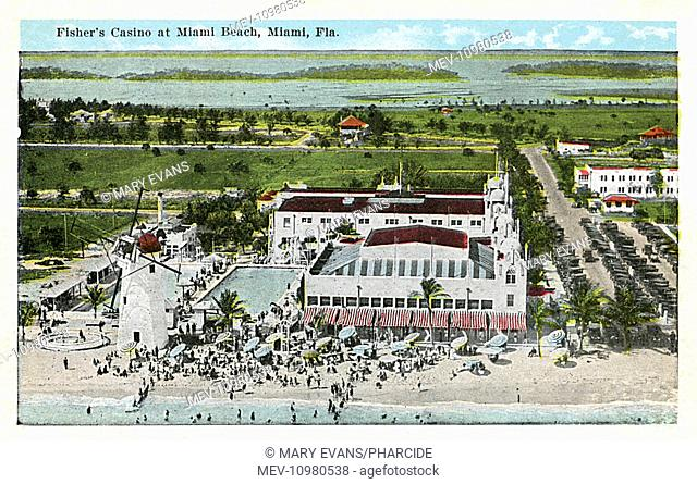 Aerial view of Carl Fisher's Casino, Miami Beach, Miami, Florida, USA, between 22nd and 23rd Streets on Collins Avenue. Carl Fisher (1874-1939) was an American...