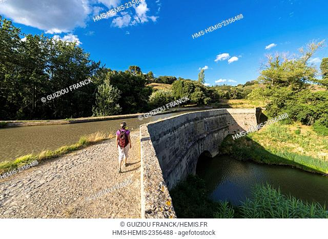 France, Aude, Canal du Midi listed as World Heritage by UNESCO close to Paraza, Canal Bridge of Repudre is the first canal bridge built in France in 1676 by...