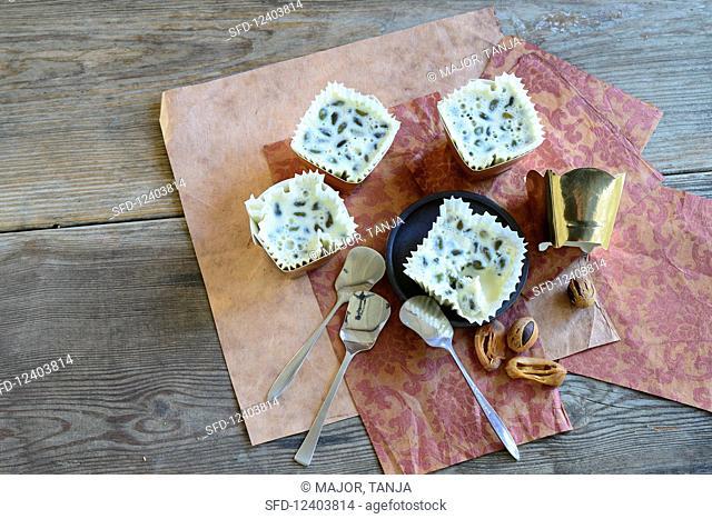 Mace parfait with pistachios