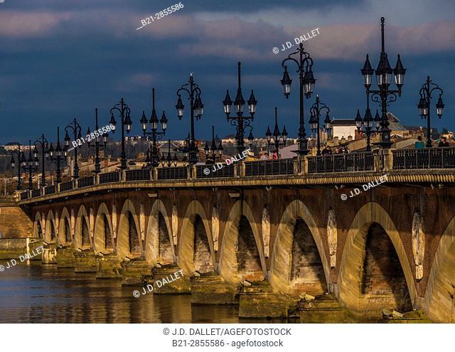"""France. Grande Aquitaine. Gironde. """"Pont de pierre"""" bridge aver the Garonne river, at Bordeaux"""
