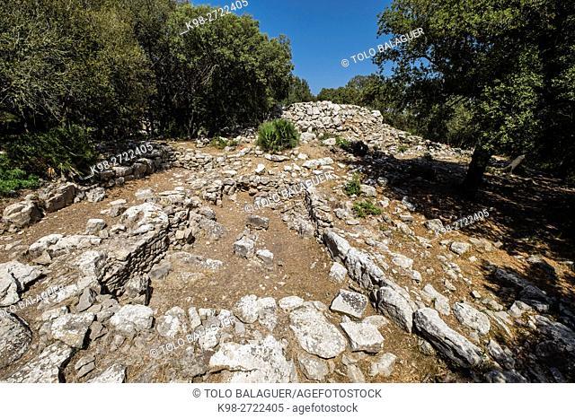 talayot central y habitaciones navetiformes del poblado, Ses Païsses, Arta, talayotic site, Majorca, Balearic Islands, Spain