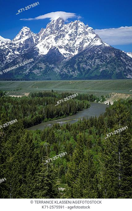 The Snake River Overlook and mountains in the Grand Teton National Park, Wyoming, USA