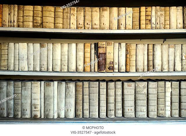 Very old books, library, Strahov Abbey, Hradschin castle district, Prague, Czech Republic, Europe - 22/04/2011