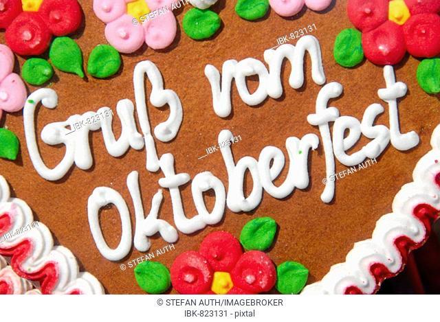 Lebkuchenherz, heart-shaped gingerbread reading Gruss vom Oktoberfest, Greetings from the Oktoberfest, Munich, Bavaria, Germany, Europe