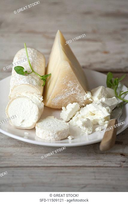 A cheese plate with goat's cheese