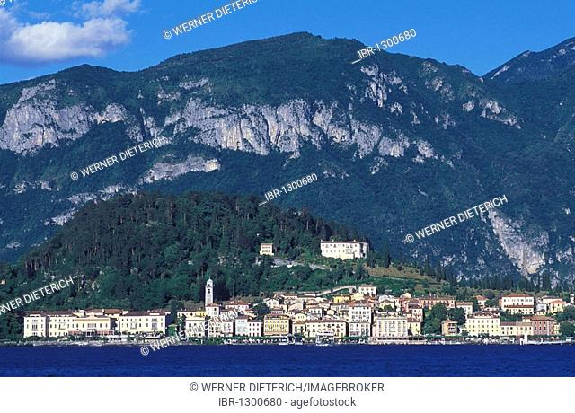 Panoramic view of Bellágio, skyline, Lake Como, Upper Italian Lakes, Lombardy, Italy, Europe