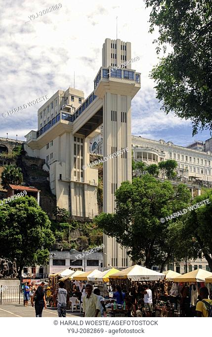 Brazil, Bahia, Salvador: Elevador Lacerda in the historic city center of Salvador de Bahia. The Lacerda elevator from 1873 connects the 72 metres (236 ft)...