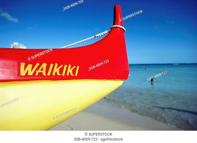 Boat on the beach, Diamond Head, Waikiki, Honolulu, Oahu, Hawaii, USA
