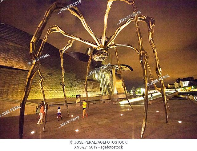 'Maman' (1999) sculpture by Louise Bourgeois. Guggenheim Museum. Bilbao. Biscay, Euskadi, Spain