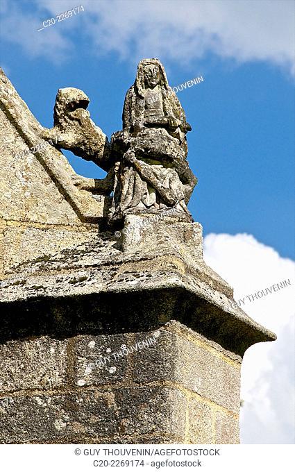 Roof stone sculpture, detail, Saint Yves chapel, Saint Yves, Brittany, Morbihan 56, France