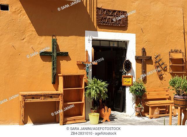 Bazar de los Sapos, antique shop area, Puebla de Zaragoza, Estado de Puebla, México, América