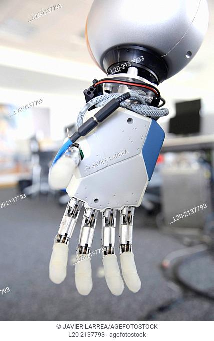 Humanoid robot for automotive assembly tasks in collaboration with peopl-e and and LWR robot, using haptic teleoperation with force feedback