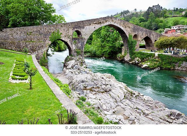 Roman bridge in Cangas de Onías. Asturias. Spain