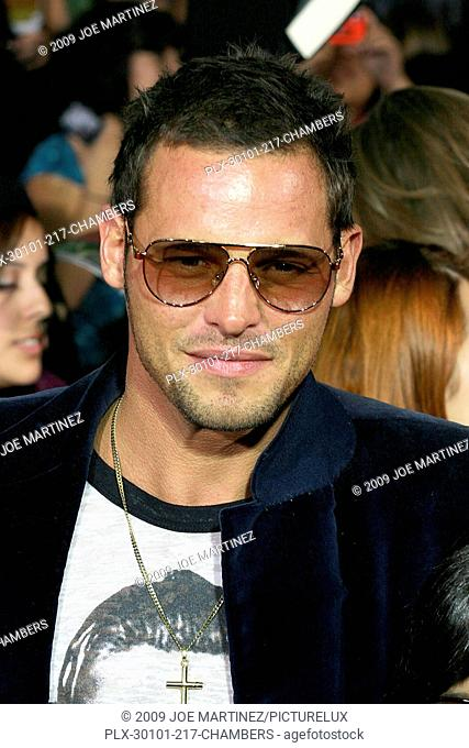 Justin Chambers at Summit Entertainment's The Twilight Saga: New Moon Premiere. Arrivals held at Mann's Village and Bruin Theatres in Westwood, CA November 16