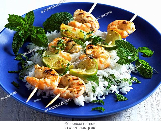 Grilled prawn kebabs with peppermint and rice