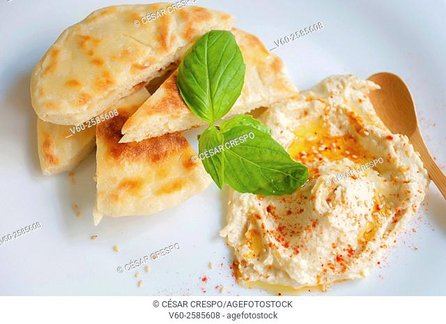 -Pita bread with Humus- High Cuisine (Spain)